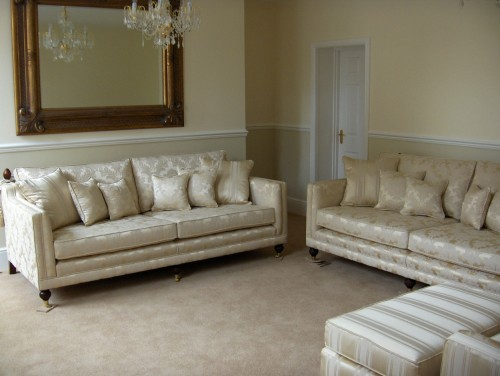 Royal Trafalgar sofa Made by Ralvern Sofa designs based in Cannock Staffordshire