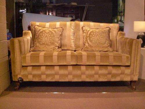 Trafalgar sofa by Ralvern