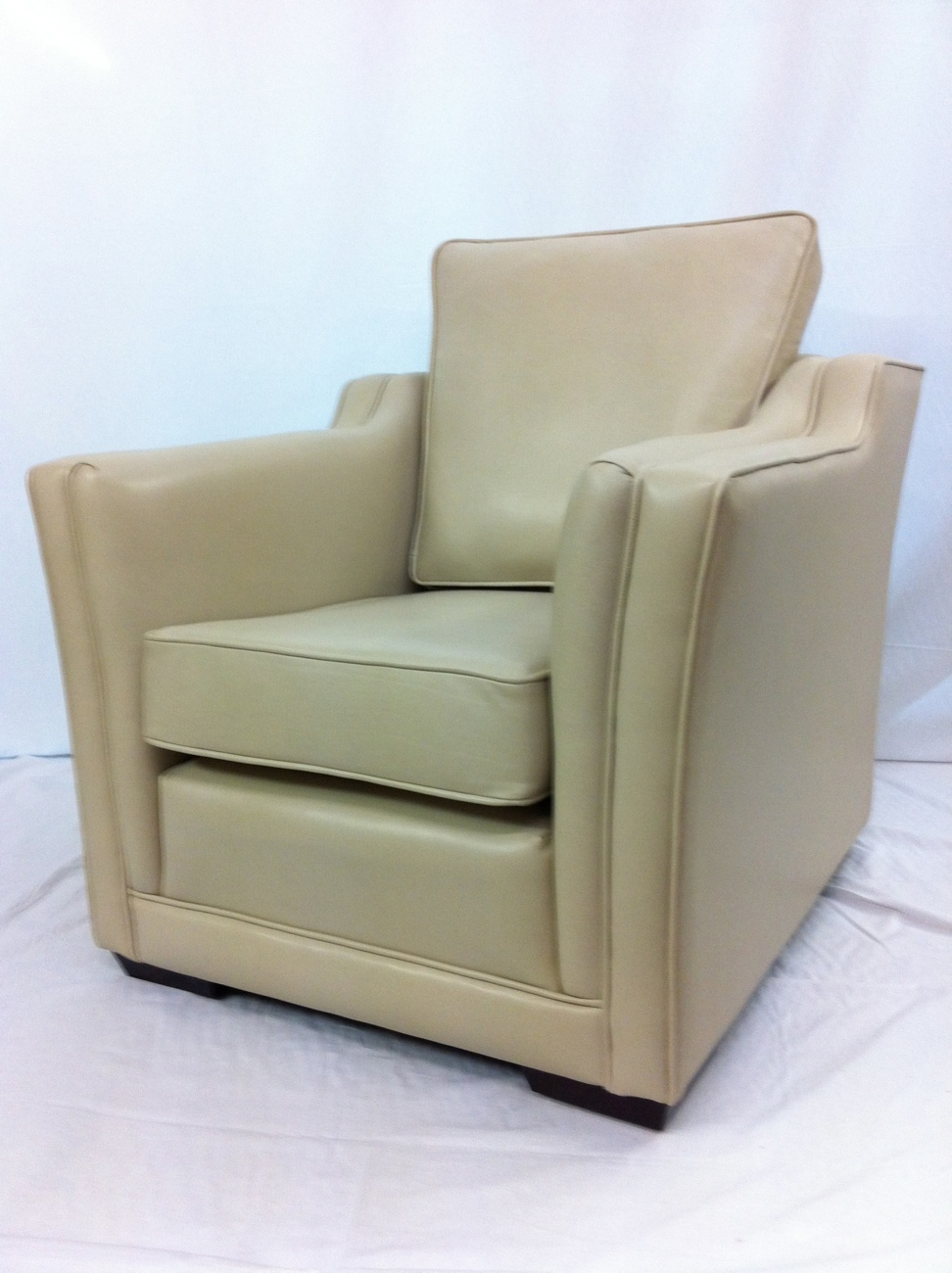 Trafalgar Leather Arm Chair made by Ralvern Sofas & Chairs Cannock based Master Upholsterers