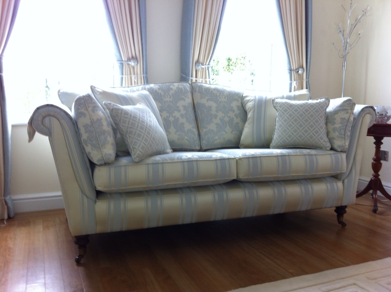 Beautiful settee in Ross fabric
