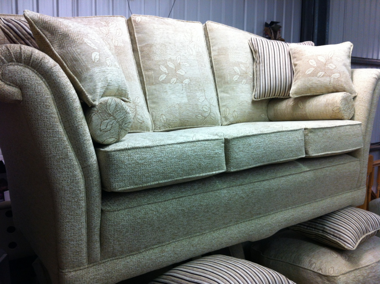 SOFAS Made By RALVERN UPHOLSTERY CANNOCK STAFFORDSHIRE QUALITY