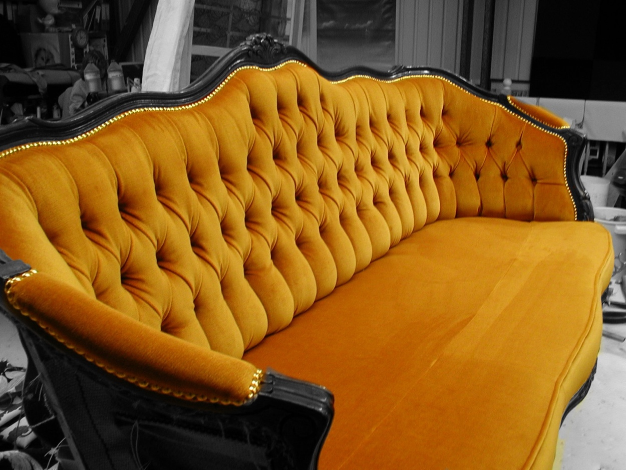 UPHOLSTERY CANNOCK BASED RALVERN LTD SOFA MAKERS ND REUPHOLSTERY EXPERTS