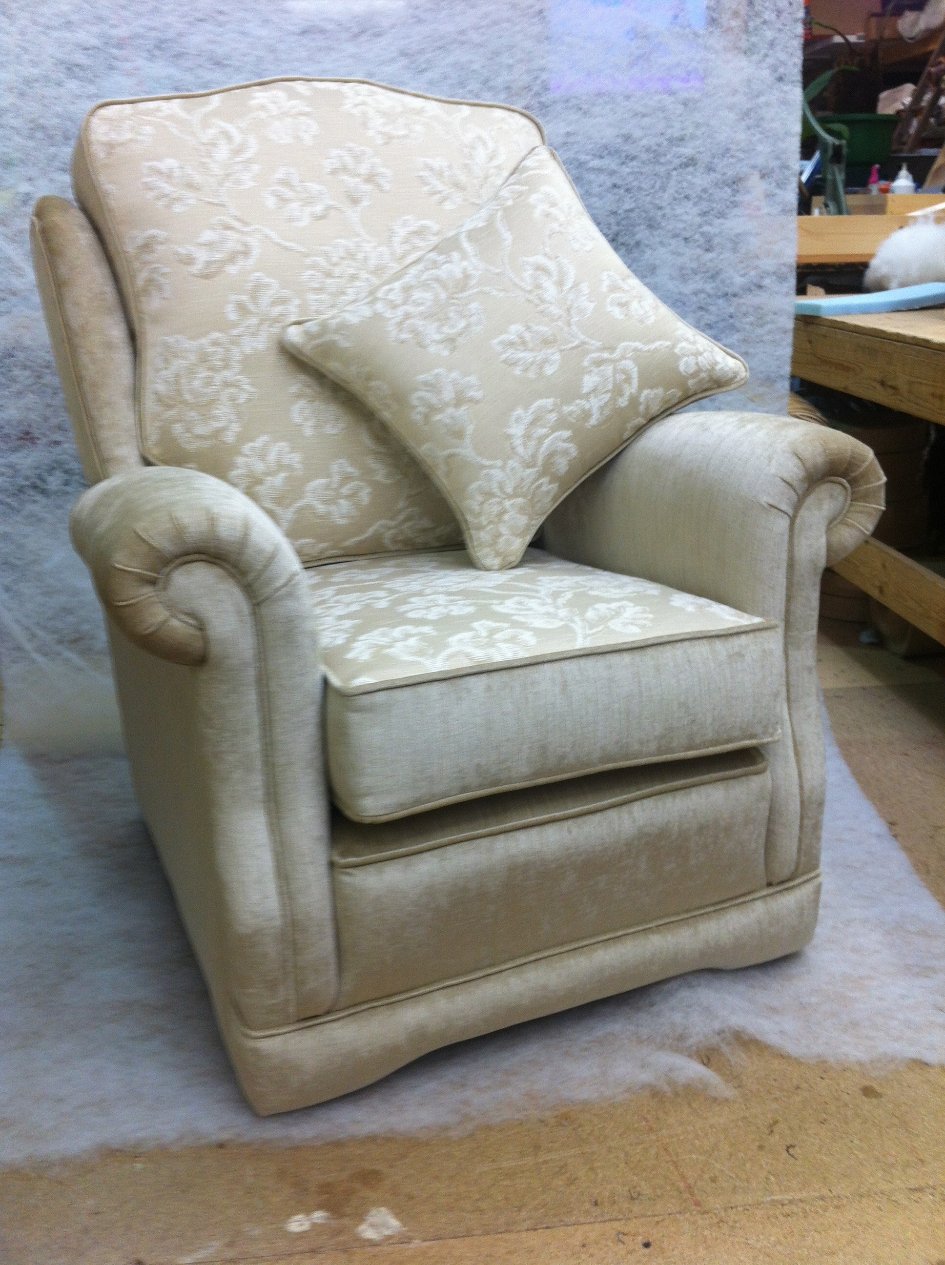 Narrow Arm Ascot Chair
